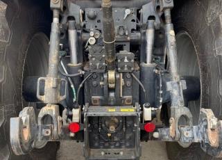 CASE IH MAGNUM 310 CVX con radio CD, 2 rotativos, aire acondicionado, asiento de acompañante, tripuntal delantero con 2 salidas hidraulicas, sistema de Isobus, predisposicion de autoguiado, cabina y eje suspendidos, freno hidraulico de remolque, sistema de Power Beyond, ruedas al 70 %